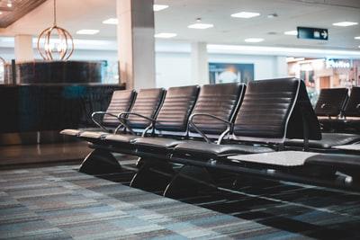 空港の待合席