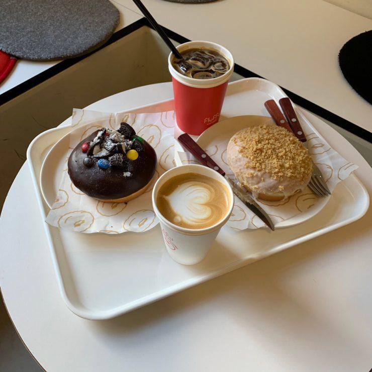 カフェでドーナツ! 延南洞(ヨンナムドン) でお洒落なカフェ「FluFFy DOUGHNUT 」
