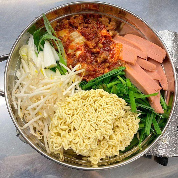 韓国料理「사랑」 サラン プデチゲ
